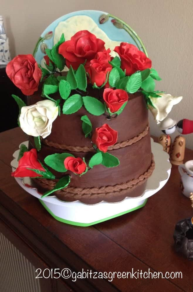 Chocolate Sponge Cake with Dark Chocolate Ganache with Red&White Roses