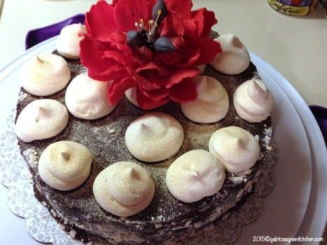 Tort de bezea cu ganache de ciocolata17